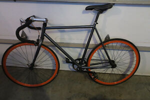 Fixie 56cm excellente condition