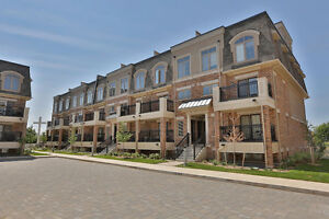 Rooftop Terrace 2 Bedroom CondoTown in Oakville
