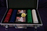 poker set with metal case