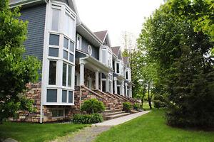 2 grands condos/maisons de ville - 3&4 chambres - Bromont