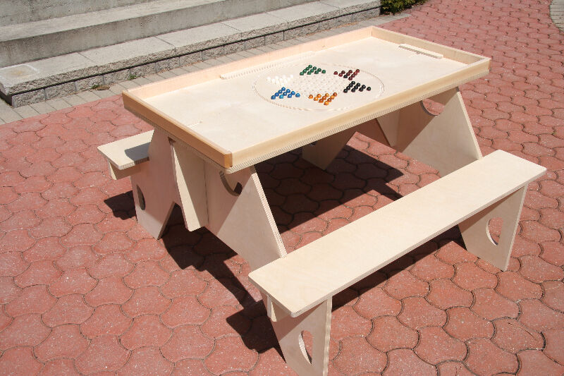 Unique portable fun picnic table patio garden for Outdoor furniture kijiji