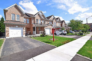 Absolutely Stunnin House For Sale in Brampton