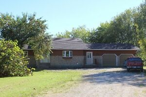 Country Home & Outbuildings   Seven Sisters MB.