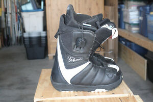 Burton True Fit Size 6 Snow Board Boots