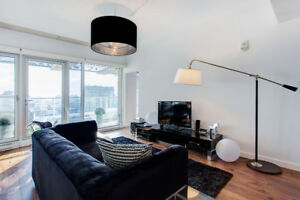** STUNNING UNIT IN THE HEART OF THE OLD MONTREAL **