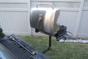 BBQ Tailgaters dream - for trailier hitch mount & accesories