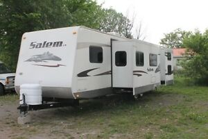 2009 Salem 34' Camper trailer