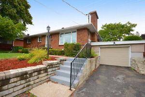 BEAUTIFUL 3 BED BRICK BUNGALOW GREAT LOCATION!