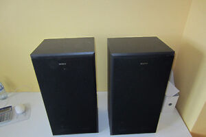 Pair of Sony SS-MB215 Bookshelf Speakers.140w,3-way