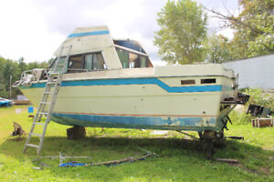 LARGE BOAT PARTS-PARTING OUT A LARGE BOAT.MARCS MARINE