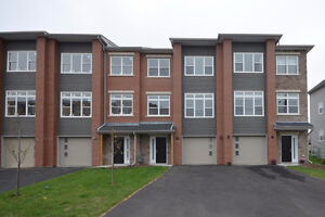 New Construction: 3 BDR Townhouse in Waterberry Park
