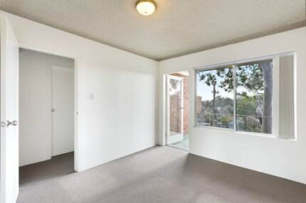 OWN ROOM - $150 PER WEEK (MEADOWBANK)