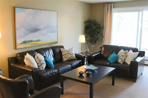 Outstanding 1050sq ft 2 Bed 2 Bath Condo in Riverbend!!!