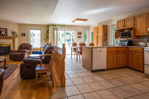 699 Muirfield Cres - Large Bungalow priced to sell! Kingston Kingston Area image 4