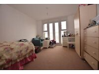 Beautiful 2 or 3 large double bed flat in London E9 6PH for a professional couple or student friends
