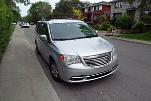 2012 Chrysler Town & Country Touring Camionnette