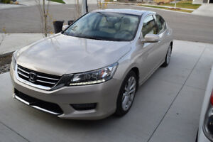 2014 Honda Accord EXL Touring Sedan-Fully loaded