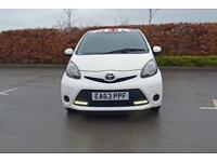 2013 TOYOTA AYGO Toyota Aygo 1.0 Move with Style 5dr [Portable Navigation]