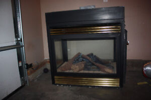 Gas stove & 3 sided fire place for sale!!!!!!! GREAT CONDITION
