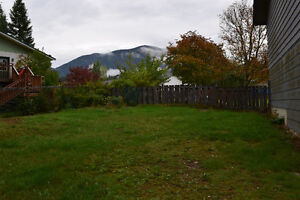 4 Bed 2 bath-Paradise by the River Campbell River Comox Valley Area image 6