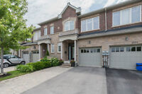 LUXURY FREEHOLD TOWNHOUSE IN CLARKSON