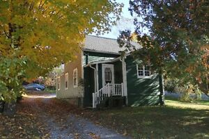 Charming home on private corner lot. Very affordable - Hampton