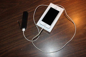 iPhone 5s + Portable charger