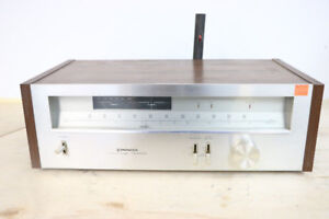 **COMFORT** Pioneer Stereo FM/AM High Fidelity Tuner, TX-6800