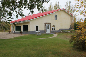 Private Sale - Faboulus Family Home on 3.56 acre