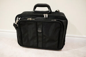 "Kensington Black 17"" Contour Roller Notebook Carrying Case"
