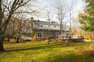 Beautiful Canadian-style stone house in Hudson! West Island Greater Montréal image 1