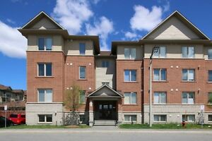 555 STONEFIELD PRIVATE #1 - BEAUTIFUL 2 BDRM PLUS DEN FOR SALE!!