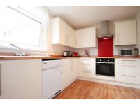 A spacious fully furnished 1st floor 2 bedroom flat close to HeriotWat and napier available in March