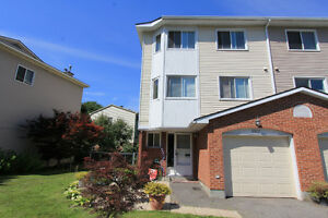 Fully Furnished Townhouse In Orleans!