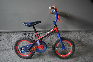 "10"" Spiderman kids bike with removable training wheels"