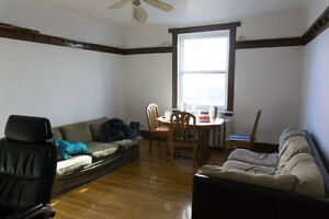 BEAUTIFUL, SPACIOUS, BRIGHT 4 1/2 Plateau/Downtown JULY