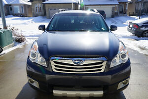Subaru Outback 2.4i, Leather, 2-Ways Remote, Winter Tires