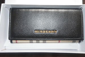 NEW BURBERRY LEATHER WALLET