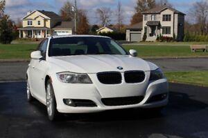 VOITURE BMW 323i 2011