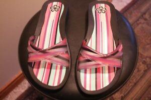 -  Grendene/Rider - Women's Sandals - Size 7 - (Never Used) -