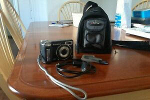 Fujifilm FINEPIX E900 + Accessories Stratford Kitchener Area image 1