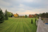 Prestigious House Estate For Sale in King City close to Toronto!