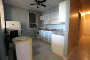 Bright 2 Bedroom Apartment in Downtown Hamilton