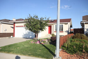 Open House Saturday 2-4 backs onto school-15 Mt. Rundle Way West
