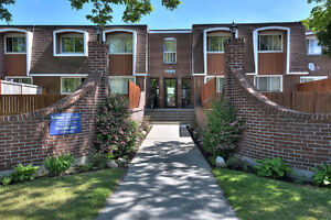 DDO, ENTRY OF HWY 40, 2 BEDROOM TOWNHOUSE
