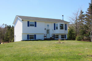 Lovely Home on 3/4 Acre, Many Updates! East Lawrencetown