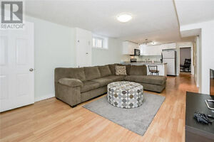 Beautiful 2 bedroom apt available now!