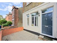 2 bedroom flat in Church Path, Chiswick, London, W4