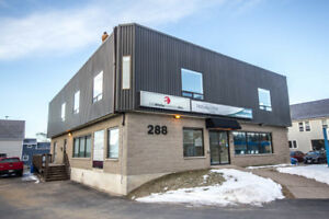 PRIME RENTAL SPACE IN HIGH TRAFFIC AREA - FOR LEASE