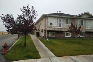 Newer 2 bedroom 4-plex Available Sept. 29th